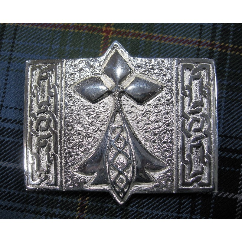 f9ab11484b42 Boucle de ceinture de kilt représentant l hermine bretonne en bronze argenté